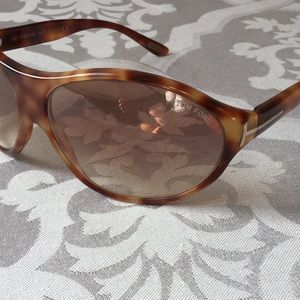 Tom Ford Accessories - Tom Ford Liya Tortoise Sunglasses